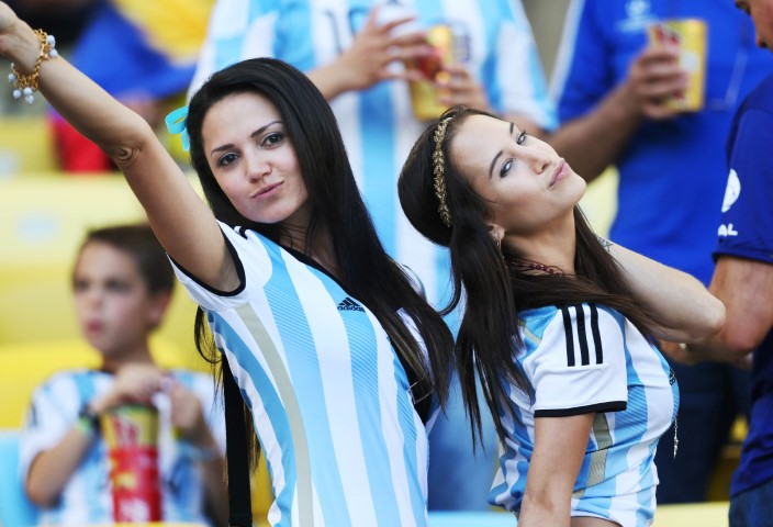 World Cup Teams With The sexiest Football Fans Argentinian hot fans Argentina girls World Cup