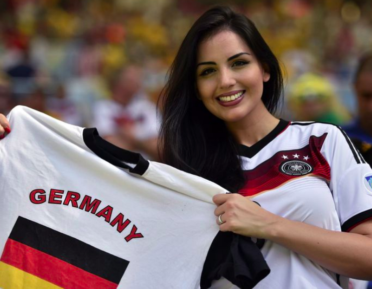 Images, Pictures and Photos of Beautiful, Sexy and Hot German girls - Germany Female Fans In World Cup 2018