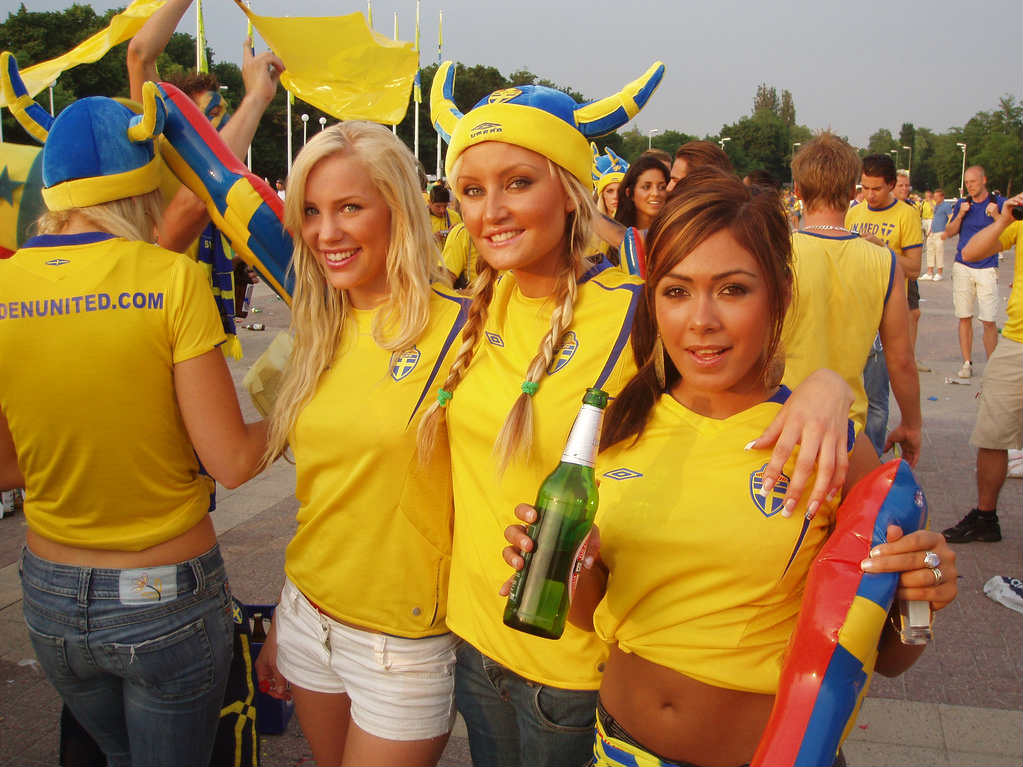 Top 10 Hottest Female Football Fans This World Cup - Hot Pics  Images-1952