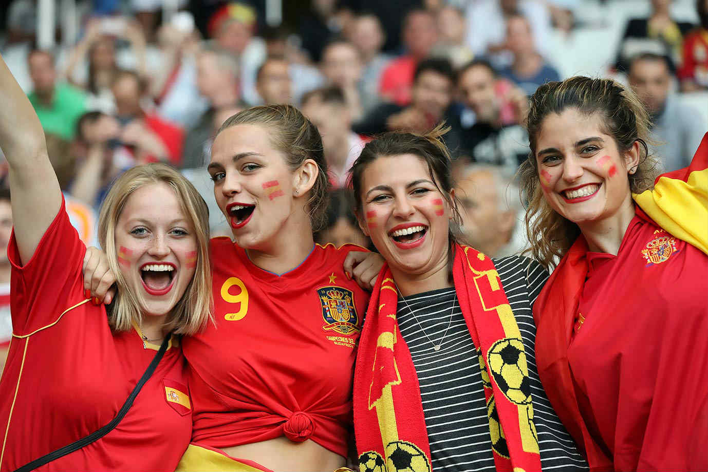 World Cup Teams With The sexiest Football Fans Spanish sexy fans Spain girls World Cup