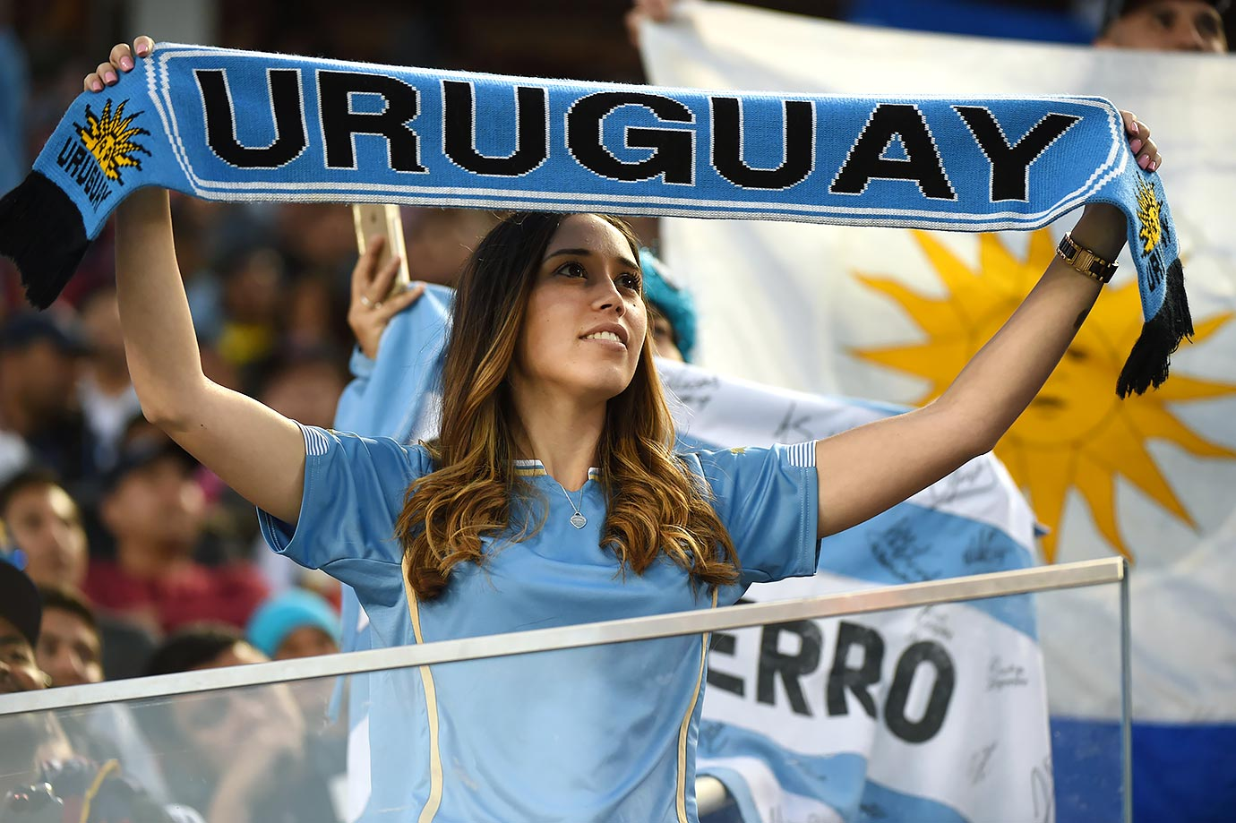images, pictures and photos of beautiful and hot Uruguayan girls and female Uruguay Fans In World Cup 2018