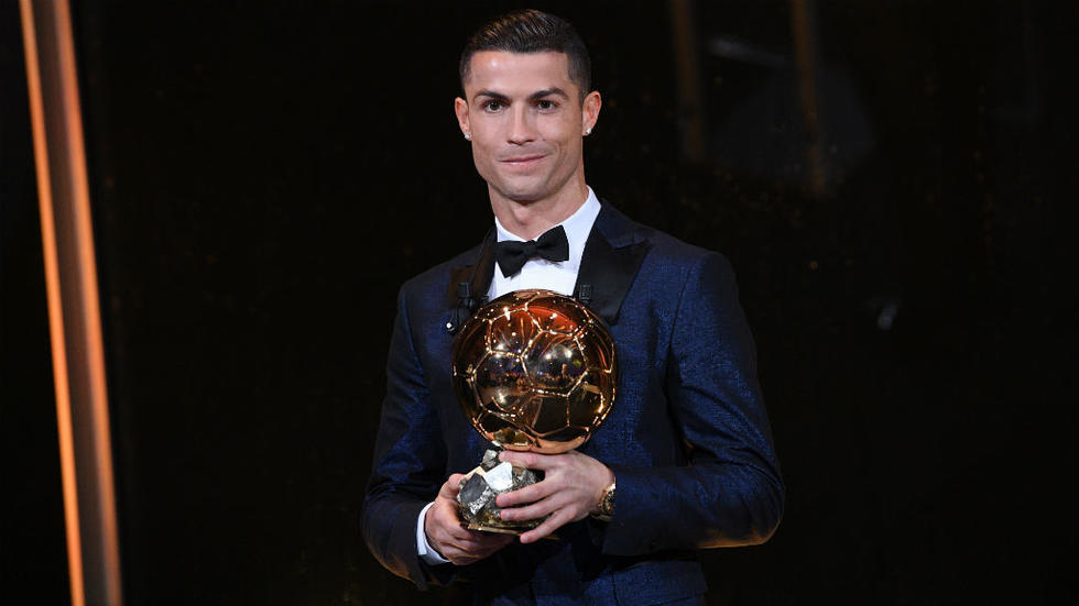 Ballon d'Or Award Winner 2017 - Cristiano Ronaldo Wins 2017 Ballon d'Or Award