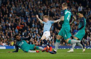 Paris Saint-Germain Leading Race For Tottenham Defender