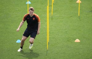 de Ligt in Turin to sign for Juve