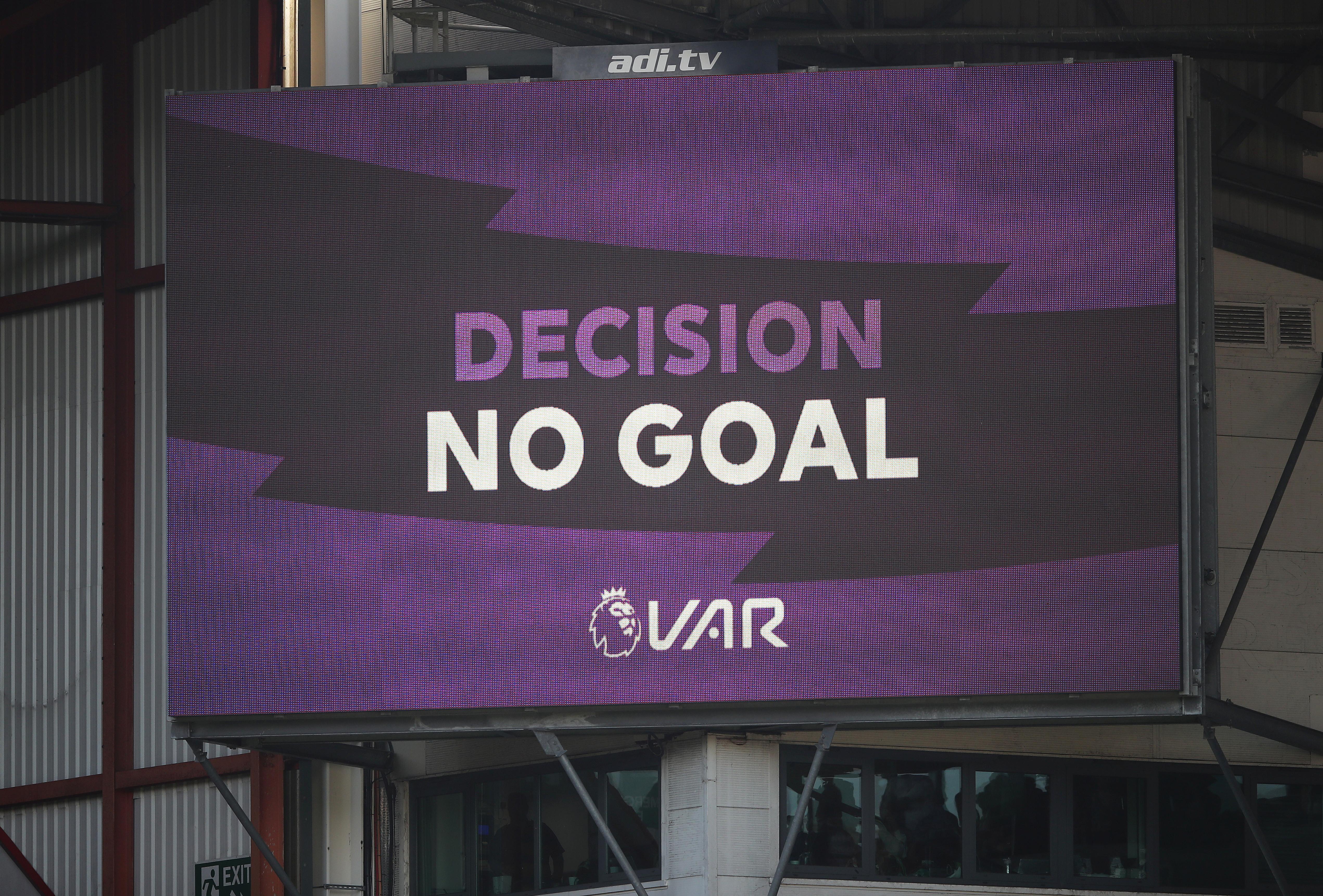 UEFA advises PL on how to use VAR