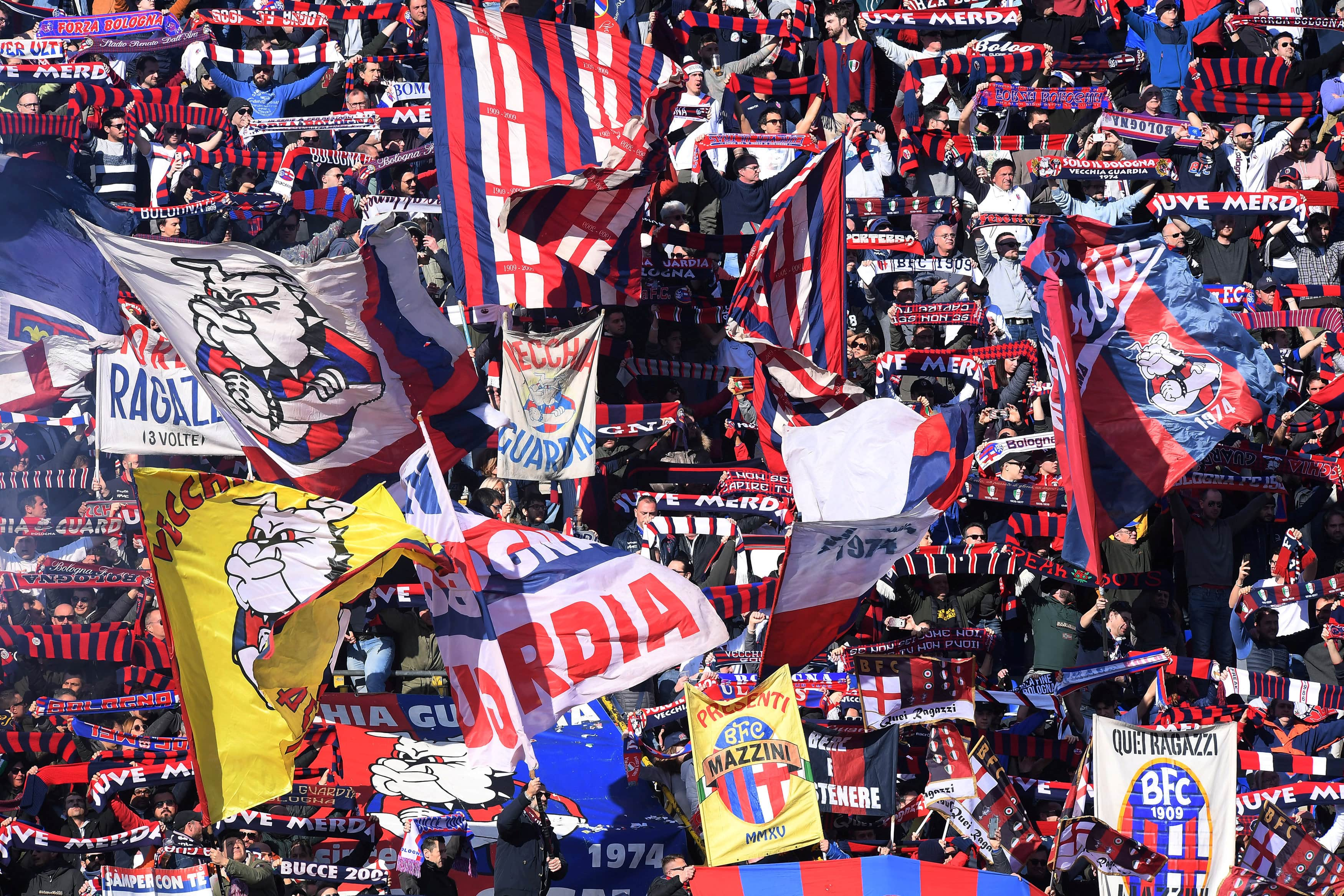 Bologna Fc Players Salaries 2019 20 Weekly Wages 1 Min Sillyseason Com