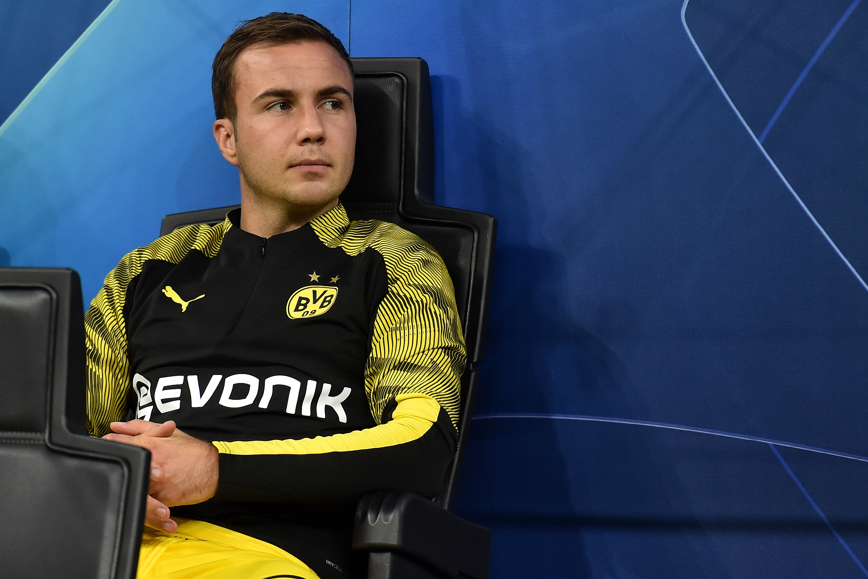Forearm fracture not stopping Mario Gotze from playing for Borussia Dortmund