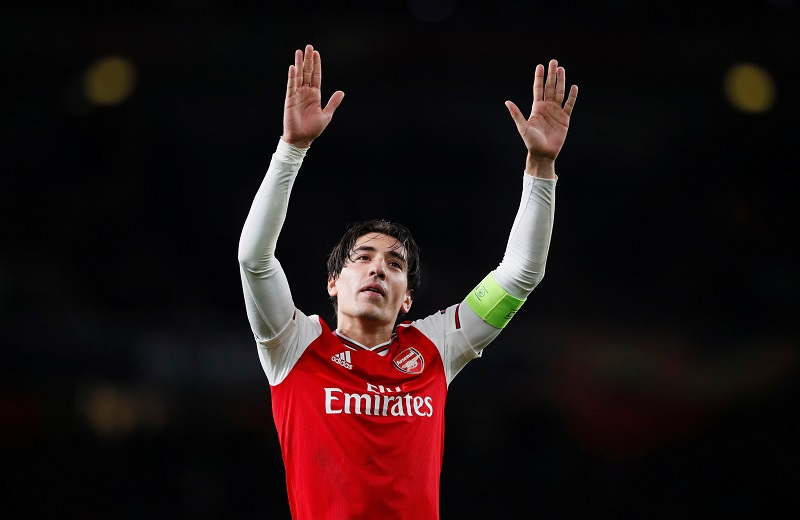 Holding reveals injury bonding with Bellerin