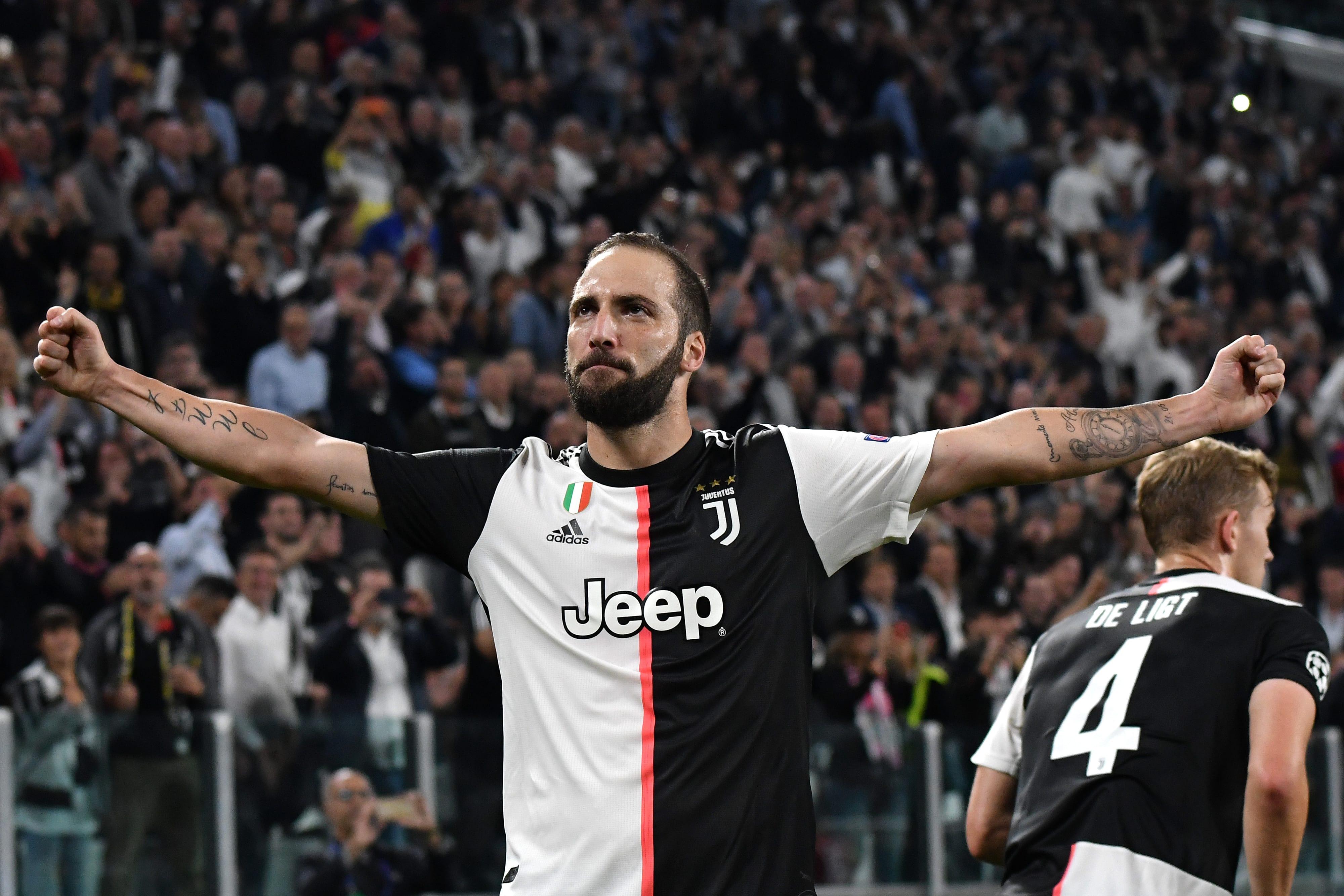 From AC Milan-Juventus to Juventus-AC Milan - Gonzalo Higuain's past 12 months