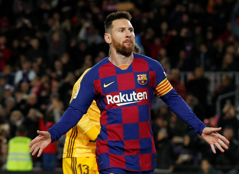 Lionel Messi equals Cristiano Ronaldo's La Liga hat-trick record