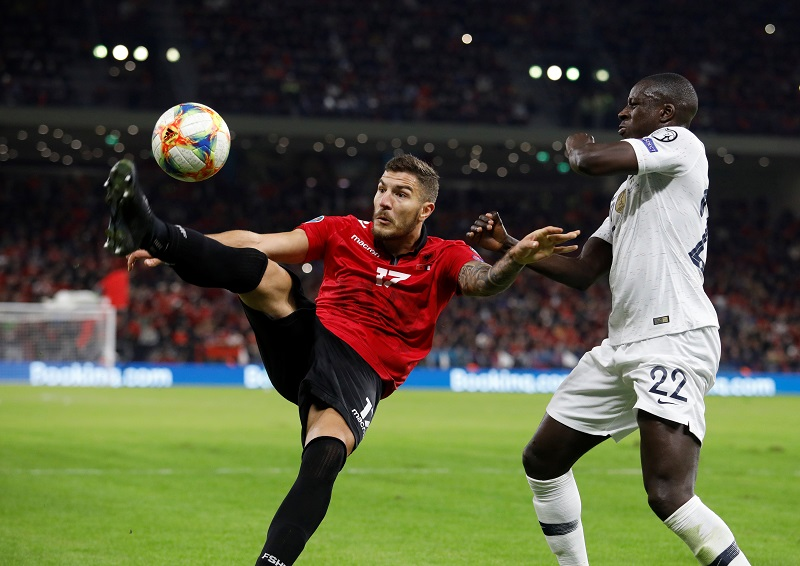 Mendy wants to be Marcelo's successor