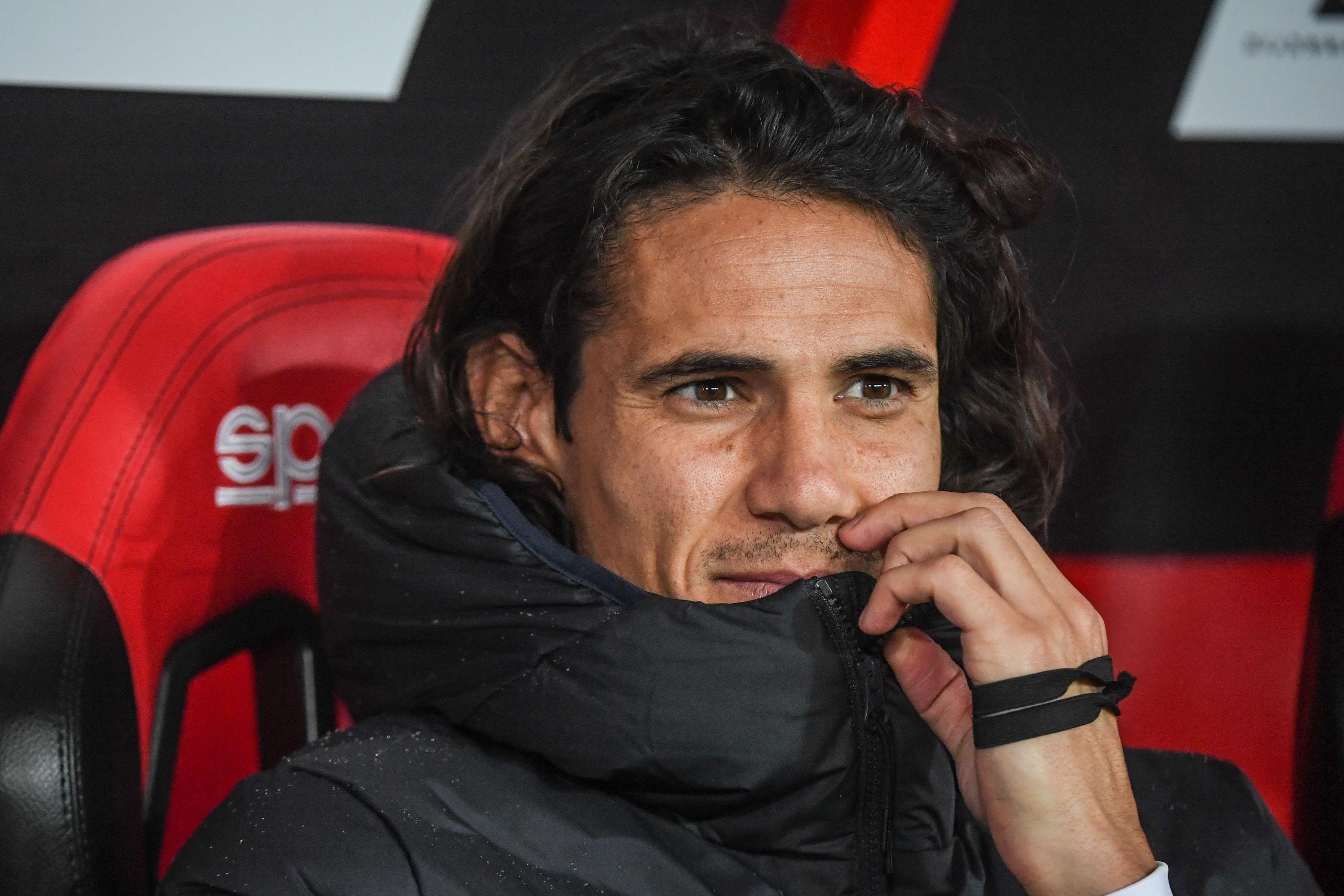 Unhappy striker Edinson Cavani eyes Paris Saint-Germain exit