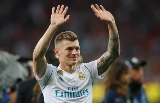 Real Madrid star urged to join United
