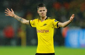 Official transfers Round-up: Tomasson, Van Bronckhorst, Marin, Weigl...