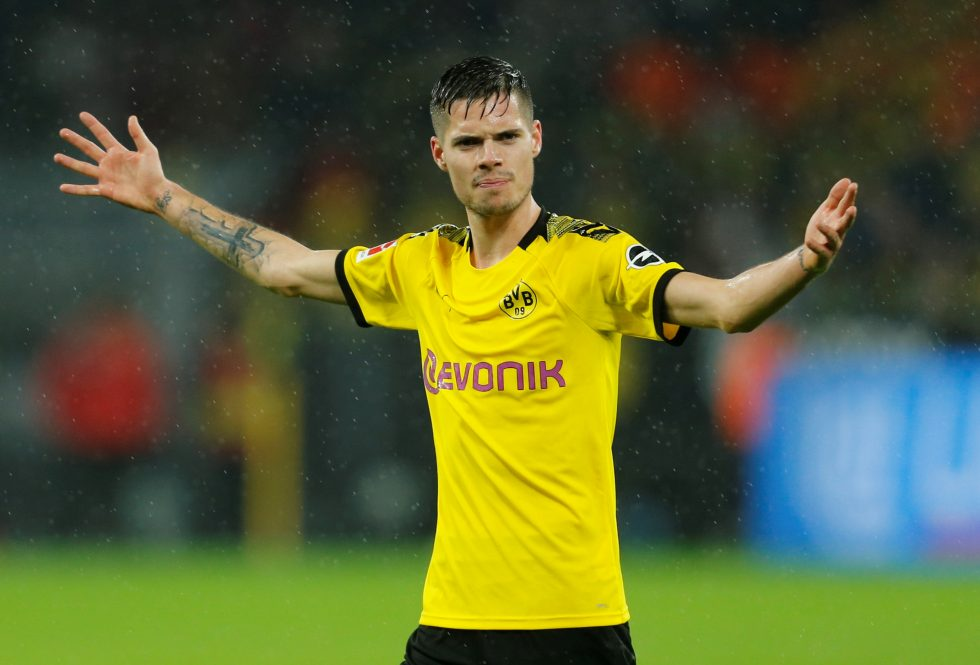 Official transfers Round-up: Tomasson, Van Bronckhorst, Marin, Weigl...