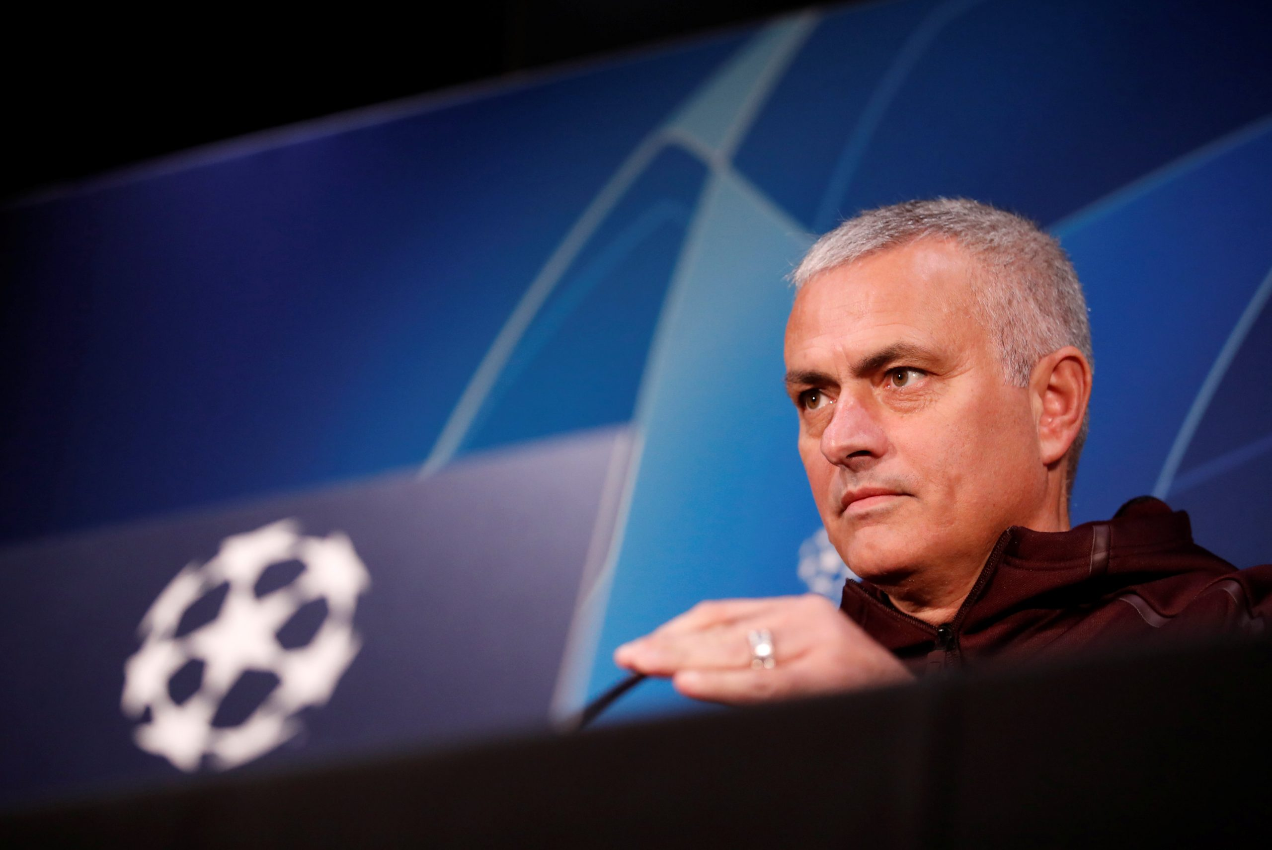 Mourinho vows to win trophies at Spurs