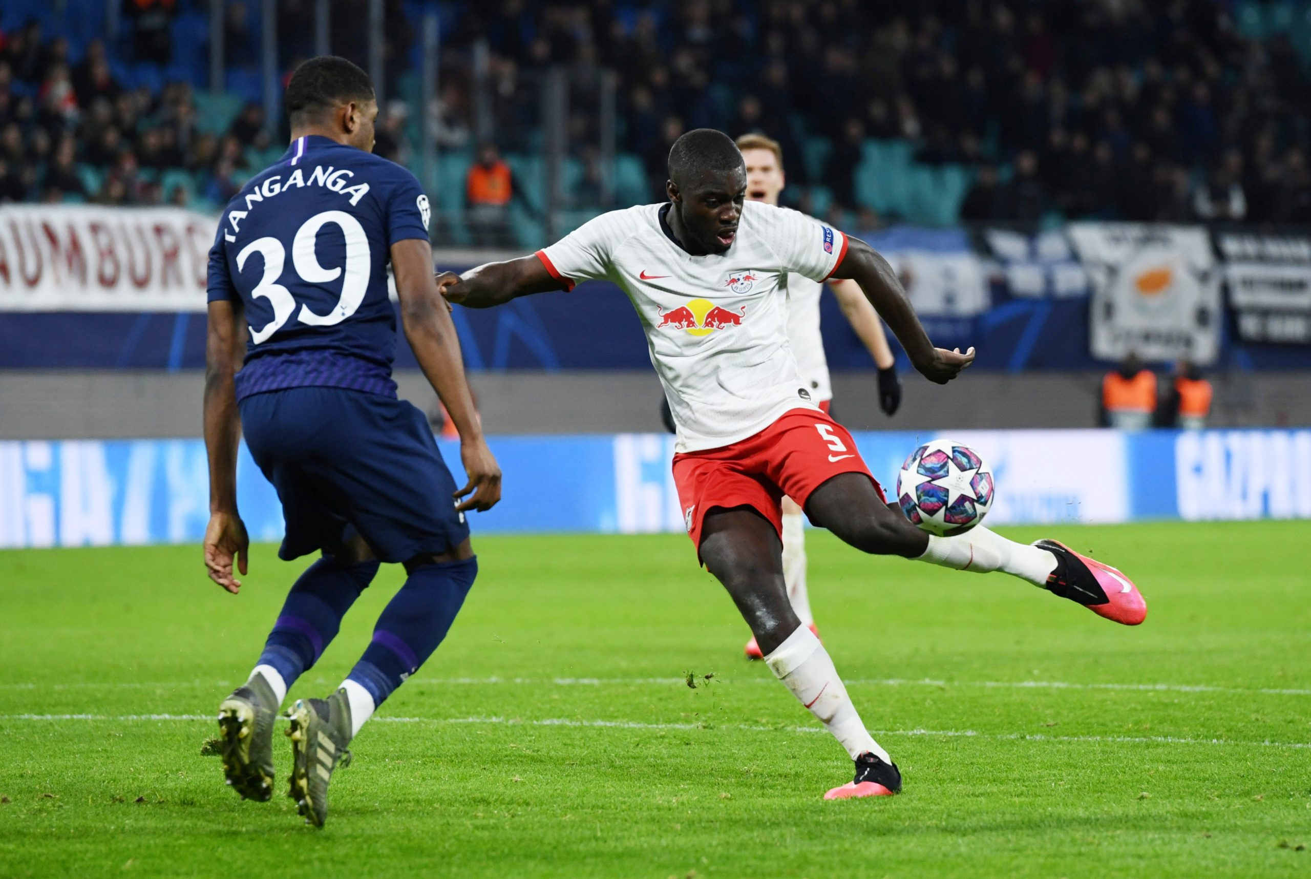 Dayot Upamecano extends contract at RB Leipzig!