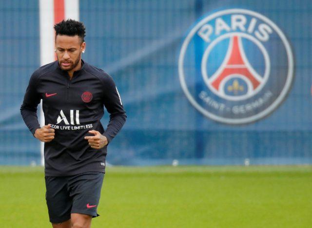 Neymar commits to PSG